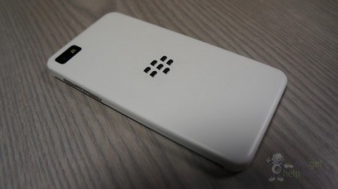http://s.4pda.ru/wp-content/uploads/2013/01/blackberry-z10-white-1-480x269.jpg